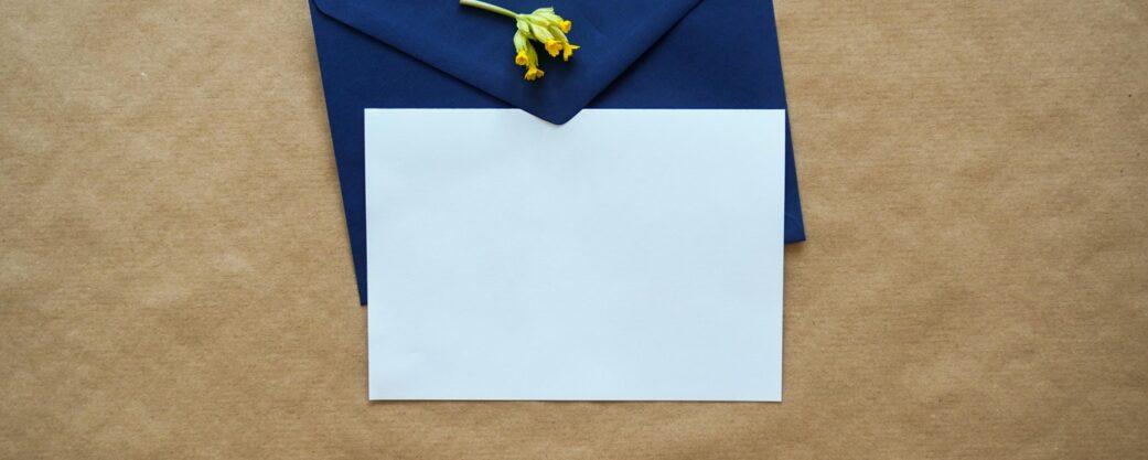 sobre de papel